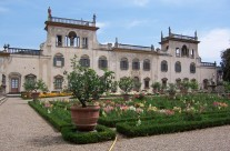 Villas and Gardens